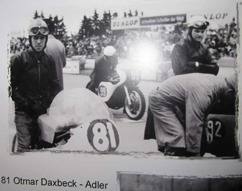 Othmar Daxbeck (81) beim Start mit seiner ADLER
