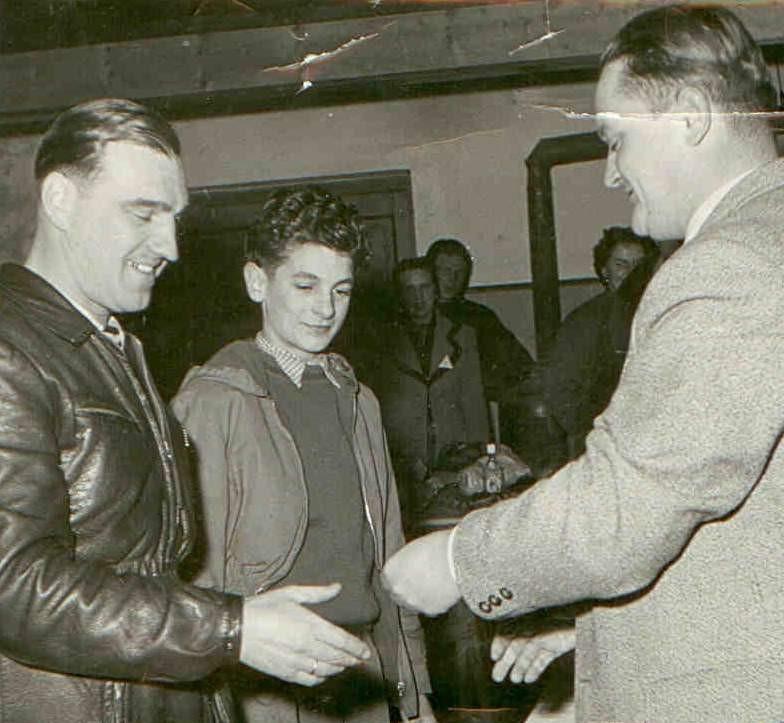 Rudolf Schwaiger (links im Bild) bei der Siegerehrung