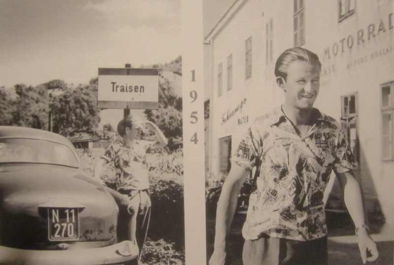 Rupert Hollaus in Traisen vor der Werkstätte seines Vaters